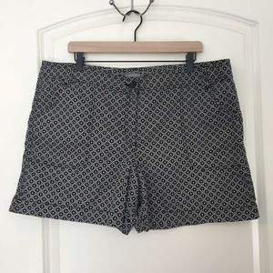 Ann Taylor Black/White Printed Shorts